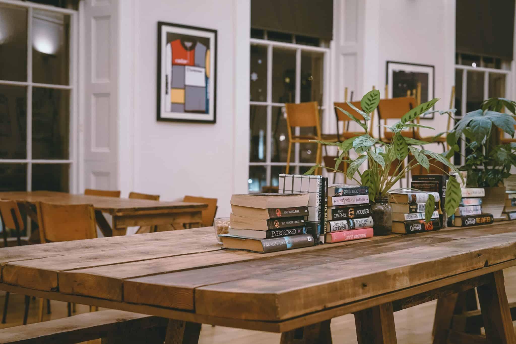 Come Allestire Una Libreria come organizzare la presentazione di un libro: la regola