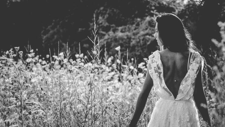 d847595466c9 Il vestito di lino bianco. Francesca Recchini Cena di Francesca Recchini  Cena · Crowdfunding. Overgoal!